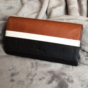 NWT Fossil EMMA Flap Clutch Wallet Neutral Multi